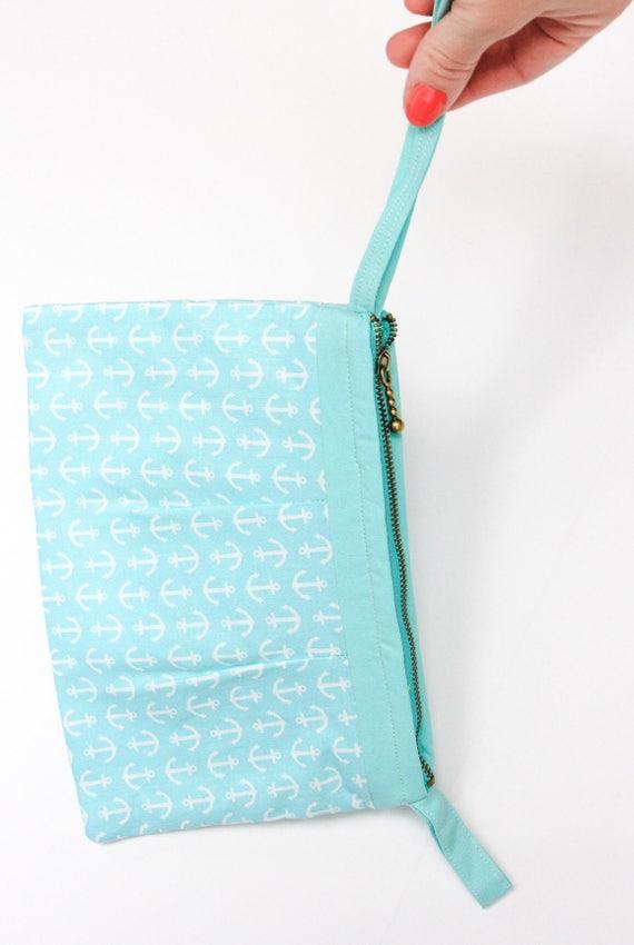 Nautical wristlet clutch. Bridesmaid clutch. Beach clutch. Anchor purse. Mom gift ideas. Gift for her under 30. Nautical accessories.