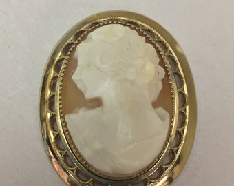 Vintage 14k Gold Filled Beautiful Shell Cameo Brooch Pendant