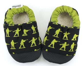 army baby shoes toy soldier shoes green army men baby army clothes soft sole shoes rubber soles rubber toes camo moccs camo shoes black