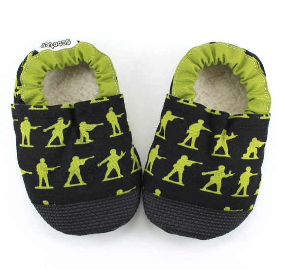 army baby shoes toy soldier shoes green army men baby army. Black Bedroom Furniture Sets. Home Design Ideas