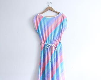 Fresh Striped 80s Summer Midi Dress