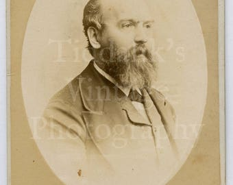 CDV Carte de Visite Photo Victorian Bearded Smart Man Oval Framed Portrait - W S Bradshaw of Newgate Street E. C. London England - Antique