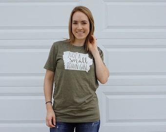 FREE SHIPPING Small Town Girl Shirt / Small Town Girl / Iowa Hawkeye / Iowa State / University of Iowa / Iowa State Cyclones / Iowa Shirt