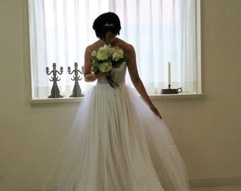 wedding tulle skirt,white skirt,bridal tulle skirt,wedding skirt,romantic wedding dress,simple wedding dress,wedding separates skirt
