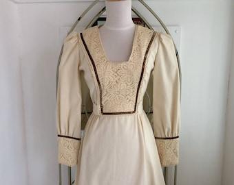 1970s Renaissance Prairie Dress