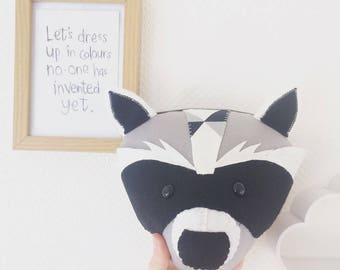 Felt raccoon, raccoon head, raccoon animal head, raccoon gift ideas, woodland animal, woodland nursery, monochrome nursery, babies room