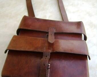 Exceptional bag Swiss Army, stiff brown leather shoulder bag, Messenger Bag, 1951