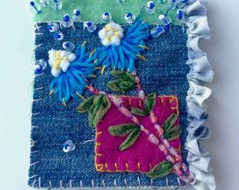 Broche textile à petites fleurs bleues - bijoux textile - broche bohème