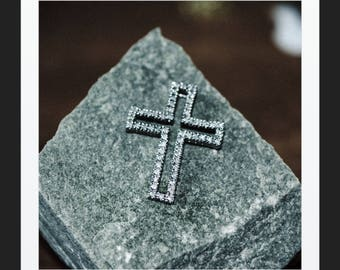 A Statement White Gold Diamond Cross   SKU1140