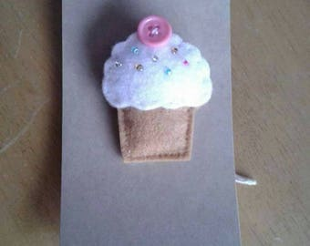 Felt cupcake brooch with pink cherry