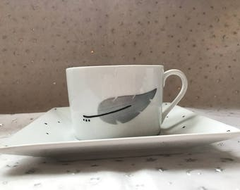 6 cups and coffee mug or tea grey feathers