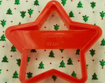 1992 Wilton Red Star Plastic Christmas / 4Th Of July Cookie Cutter Taiwan
