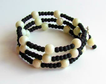Black and White Memory Wire Bracelet/ bead/round/jewelry/gift under 20
