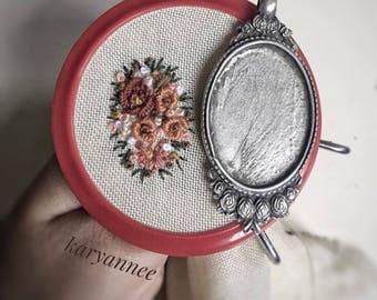 Handmade embriodery necklaces