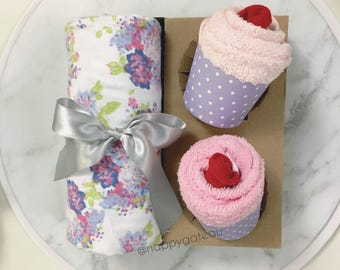 Baby Wrap and Baby cupcakes / Baby gift set