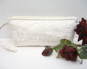 Ivory Wristlet - Ivory Clutch - Ivory Wedding Clutch - Ivory Bridal Clutch - Ivory Bridesmaid Clutch - Ivory Wristlet Purse - Ivory Lace Bag