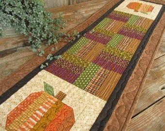 Rustic Fall Quilted Table Runner, Patchwork Pumpkin Table Runner, Thanksgiving Runner, Halloween Table Quilt Runner, Brown Orange Green