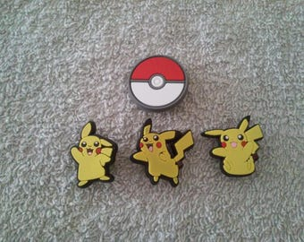 Lot 4 jibbitz Pikachu (badges for fangs)