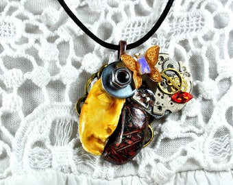 """Opal Necklace in the world """"The face of the time"""""""