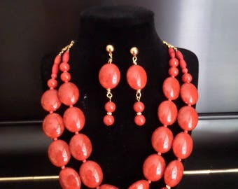 Double strand Red necklace