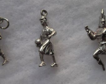 3 Sports / Band Silver Charms