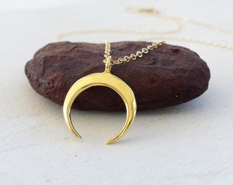 Gold Horn Necklace, Gold Crescent Moon Necklace, Minimalist Wish Moon Necklace, Vermeil Boho Horn Necklace