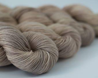 Handdyed semisolid sock yarn Colorway: WILD PEARL 75/25 wool/polyamide 100g/420m 3.5 oz/460y 4ply, fingering, pastel, soft, warm