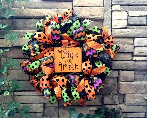 Halloween Wreaths, Trick or Treat Wreath, Halloween Decoration, Halloween Decor, Fall Wreath, Autumn Wreath, Wreath for Halloween, Wreaths