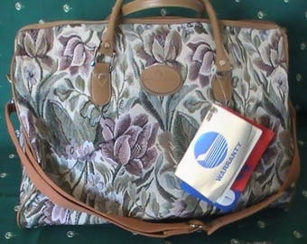 """Vintage American Flyer """"Celebrity Satchel""""  From The Windsor Collection"""
