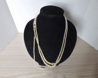 IMPERIAL PEARL SYNDICATE 1940'S 3 strand necklace