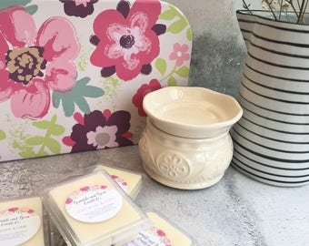 Wax Melt Gift Set - Large | Birthday Gift | Large Floral Suitcase with a Cream Electric Wax Warmer and 4 Packets of Wax Melts