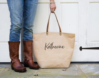 Beach Travel Bag | Personalized Burlap Tote Bag with Pocket | Teachers Gift | Birthday Gift for Mom | Gift for Sister | Kelly Font