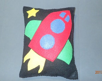 Rocket, Felt pillow