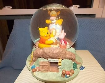 "Disney musical snowglobe Disney Store ""Winnie The Pooh"""