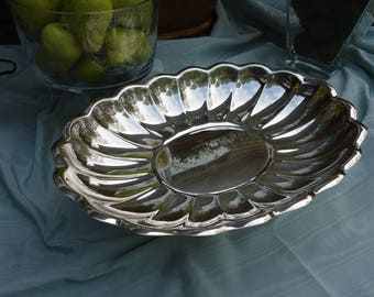 Vintage Reed & Barton Holiday#110  Bread/Serving Tray Silver Plated