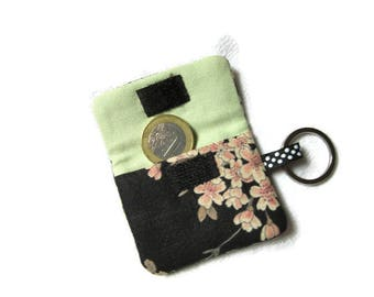 sleeve cover for token caddy, key ring, flower black white green salmon