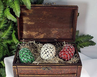 Polymer Clay Mini Dragon Eggs in Brown Chest - Dragon Eggs - Dragon Egg Set - Dragon Storage - Dragon Egg Chest - Clay Dragon Eggs - 8-008B