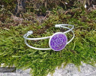 Bracelet silver color with Holografischem seal/purple-UV resin charm Bezel