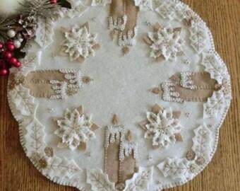 Primitive Wool Applique PATTERN - White Christmas - CP156