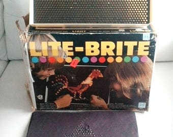 1980 LITE BRITE Vintage Hasbro Light Bright Toy Original Pegs works 13 sheets included some new with instruction