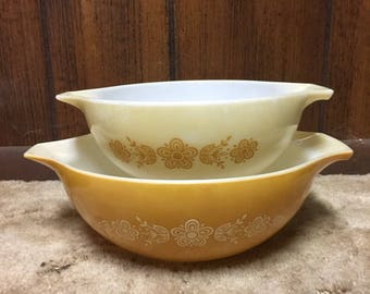 Vintage Set of 2 Cinderella Mixing Bowls Purex Butterfly Gold Mustard Yellow