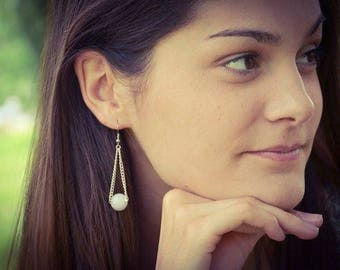 silver chain and light grey white ball earring