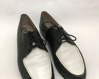Vintage 80's/90's Esprit Black and White Oxfords- Loafers