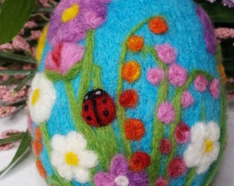 Easter egg needle felted