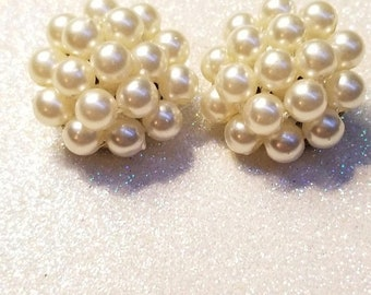 WOW SALE : Vintage Pearl Style Beaded Clip on earrings