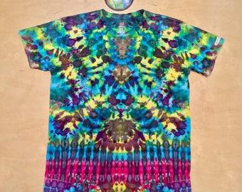 XL Kaleidoscopic Apparel tie dye shirt