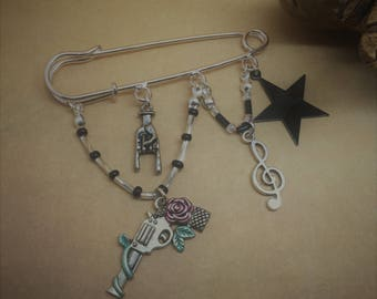 Guns 'n' Roses inspired kilt pin, brooch, bag charm. rock music, Heavy Metal.