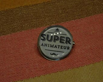 host super pin brooch badge