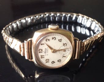 9CT gold watch, Avia gold watch, Vintage 1960s watch, Womens watch, collectible watch, gold swiss watch, ladies gold watch