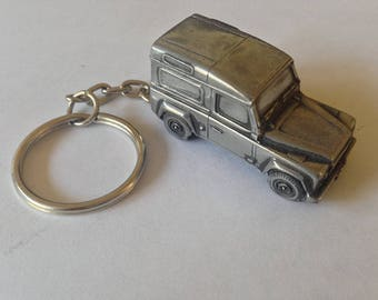Land Rover Defender  3D split-ring ,snake keyring FULL CAR ref115